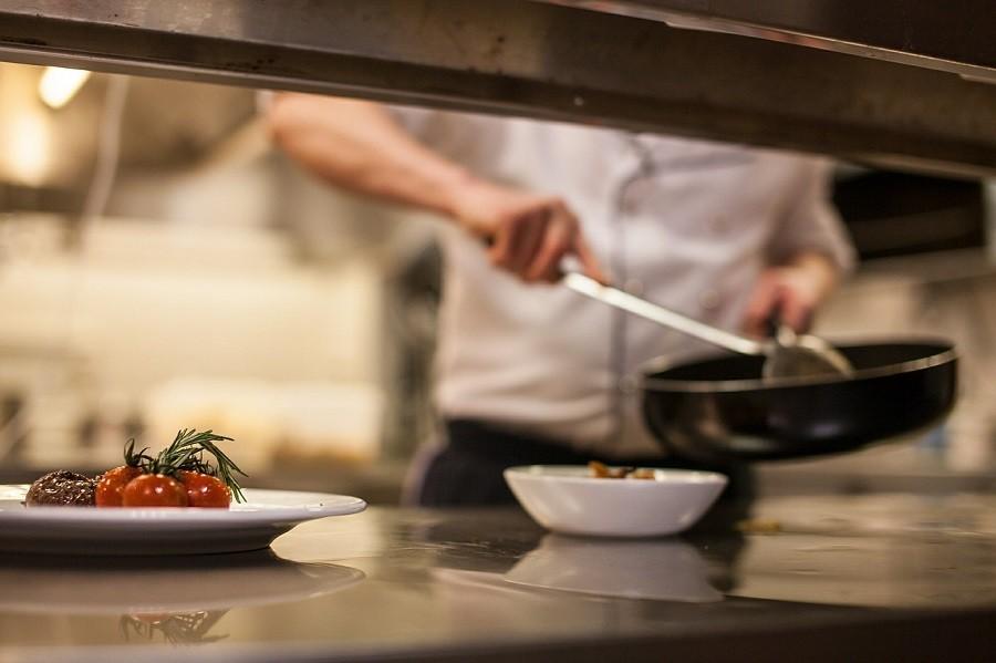 Equipamientos de cocinas industriales para optimizar su negocio